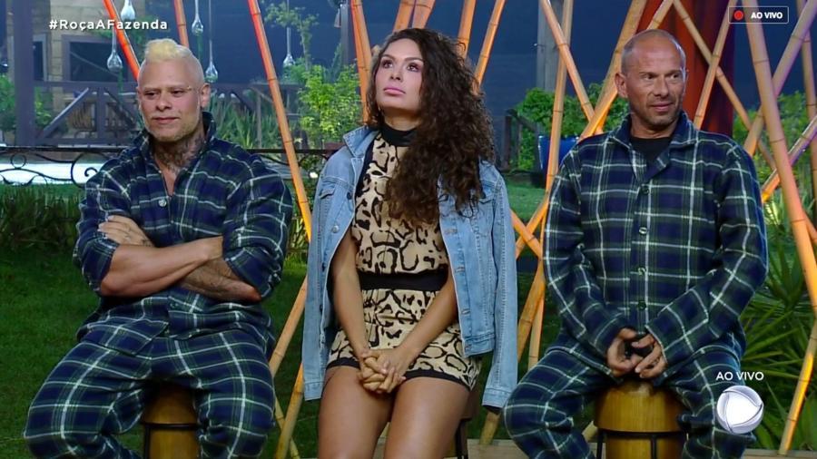 """Léo Stronda, Fernanda Lacerda e Rafael Ilha estão na sétima roça de """"A Fazenda 10"""" - Reprodução/RecordTV"""