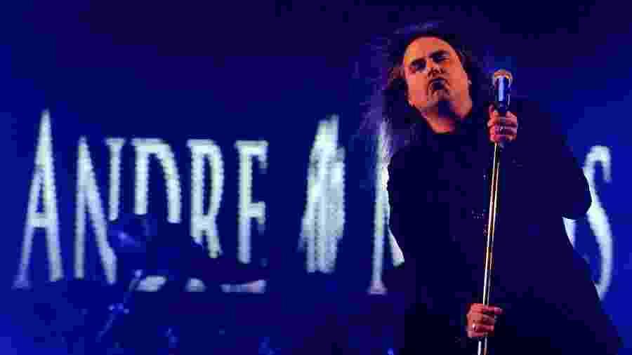Andre Matos se apresenta no Porão do Rock, em 2014 - Beto Barata/ UOL