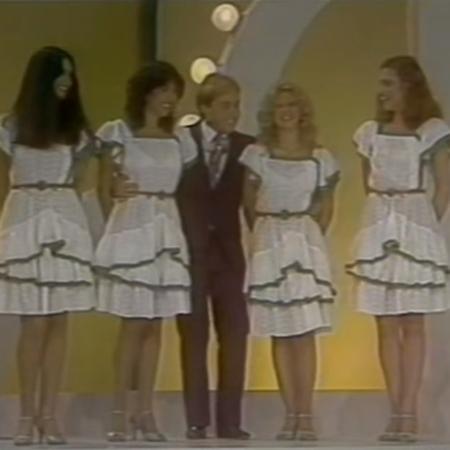 Gugu Liberato e as telemoças do Viva a Noite, em 1983 - Reprodução/SBT