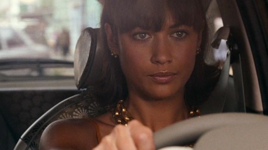 "Olga Kurylenko em ""007 - Quantum of Solace"" - Divulgação/IMDb"