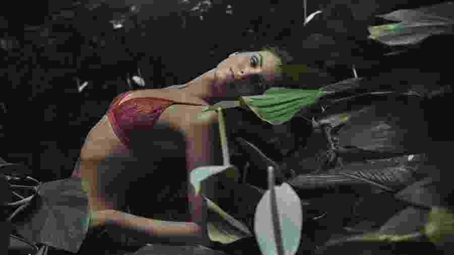 Camila Queiroz em nova campanha para a Jogê - Reprodução