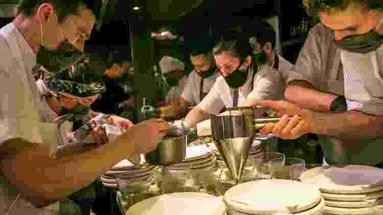A frenética cozinha do Don Julio, em plena pandemia - Pablo Domina - Pablo Domina