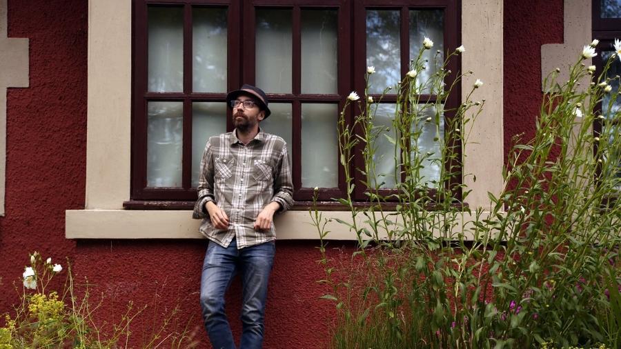 Artista escocês troca álbum por mensagens felizes na pandemia - Divulgação