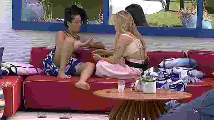 BBB 21: Viih Tube e Juliette conversam sobre paredão - Reprodução/Globoplay - Reprodução/Globoplay