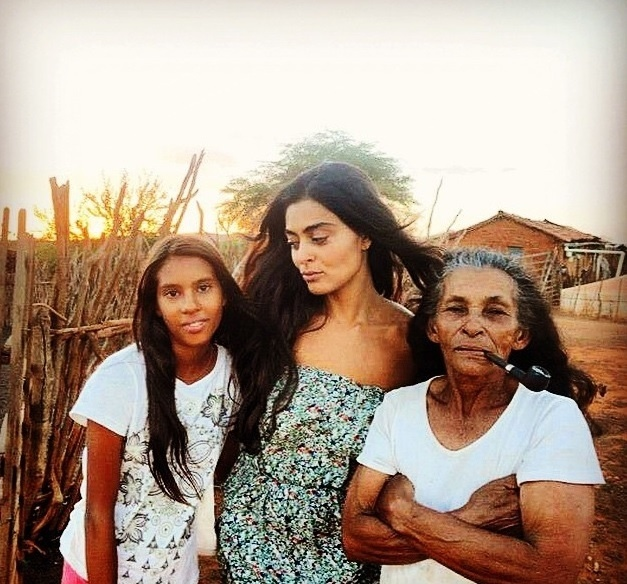 Juliana Paes imersa no sertão da Bahia para entrar no imaginário da personagem Gabriela