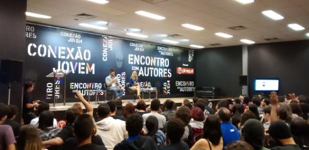 Escritor Eduardo Spohr conversa com seus fãs no Auditório Madureira, espaço para 420 pessoas, na 17ª Bienal Internacional do Livro do Rio de Janeiro - Rodrigo Casarin/Colaboração para o UOL