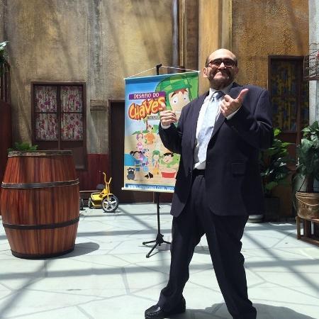 """Edgar Vivar, o Sr. Barriga da série """"Chaves"""", visitou a réplica da vila, em São Paulo - Montagem/Divulgação/Twitter/varedg"""