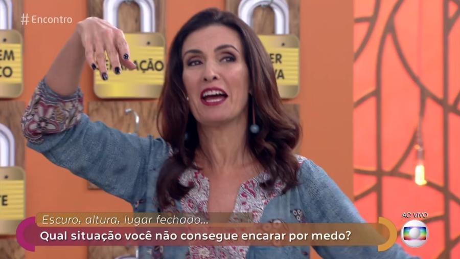 """Fátima Bernardes deixa anel cair no """"Encontro"""" - Reprodução/TV Globo"""
