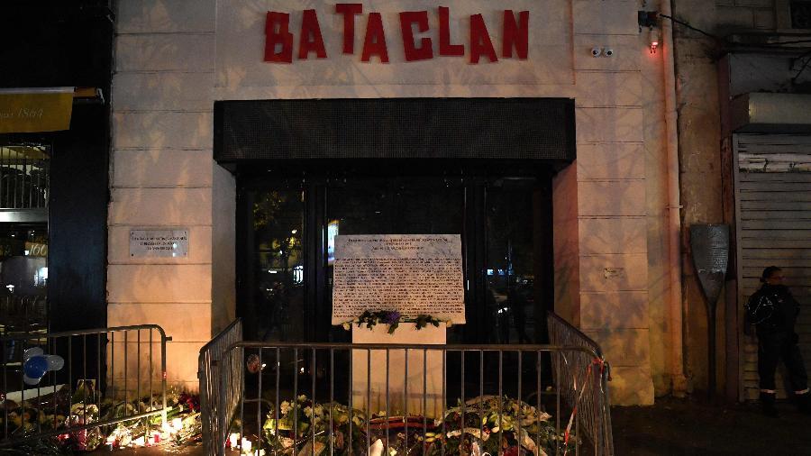"""A casa de shows Bataclan em Paris após atentados de 2015, que serão mostrados no documentário """"Fluctuat Nec Mergitur"""", da Netflix - Christophe Archambault/AFP Photo"""