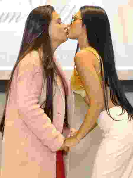 Simone & Simaria beijo - Manuela Scarpa/Brazil News - Manuela Scarpa/Brazil News