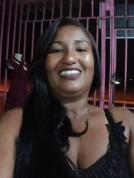 Francisca, 37, está trabalhando pela regularização de comunidade em Goiânia - Arquivo Pessoal