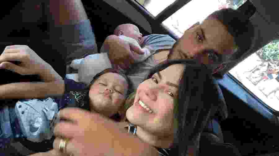 Sarah Poncio e Jonathan Couto com os filhos - Reprodução/Instagram