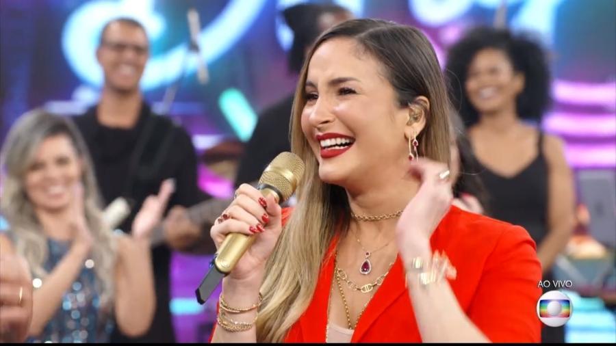 """Claudia Leitte se emocionou ao falar sobre a gravidez no """"Domingão do Faustão"""" - Reprodução/Globo"""