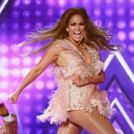 Jennifer Lopez se apresenta no Grammy 2019 - Getty Images