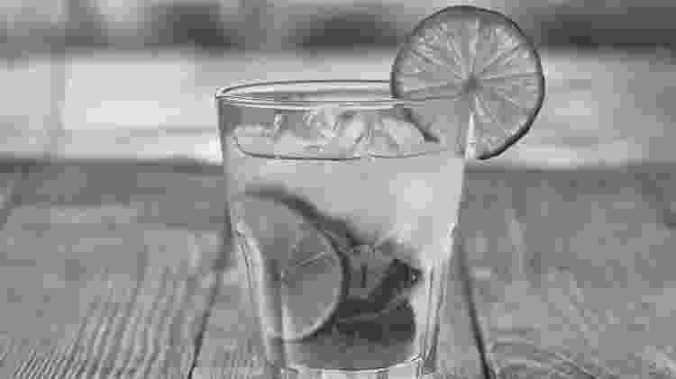 Bebida alcoólica p&b - iStock - iStock