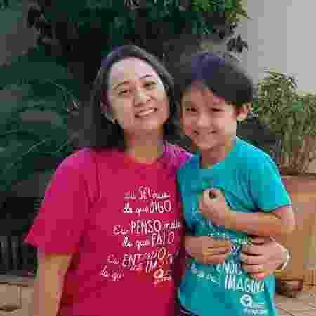 Denise Nakamura e o filho Mateus - Arquivo pessoal