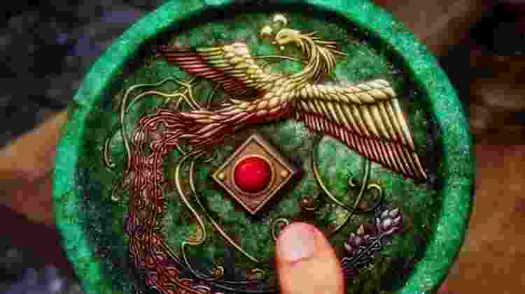 O Espelho da Fênix é um item importante para a história de Shenmue - Reprodução