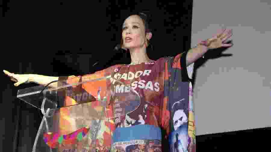 Mariana Ximenez utilizou look com imagens de filmes nacionais como Bacurau e O Pagador de Promessas - Thyago Andrade/Brazil News