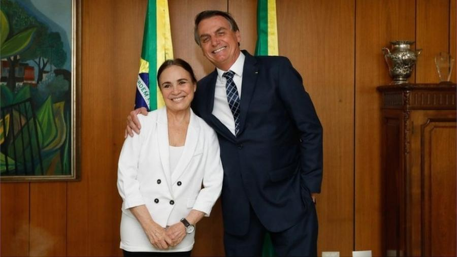 Regina Duarte e Jair Bolsonaro; ele prometeu à atriz um cargo na Cinemateca que não pode cumprir - Carolina Nunes/PR