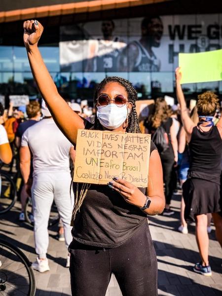 Carol Fonseca em um dos vários protestos dos quais participou contra o racismo nos Estados Unidos - Arquivo Pessoal
