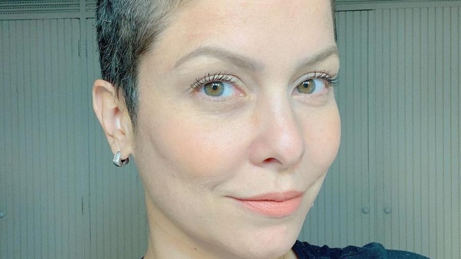 Bárbara Borges, de cabeça raspada - Reprodução/Instagram