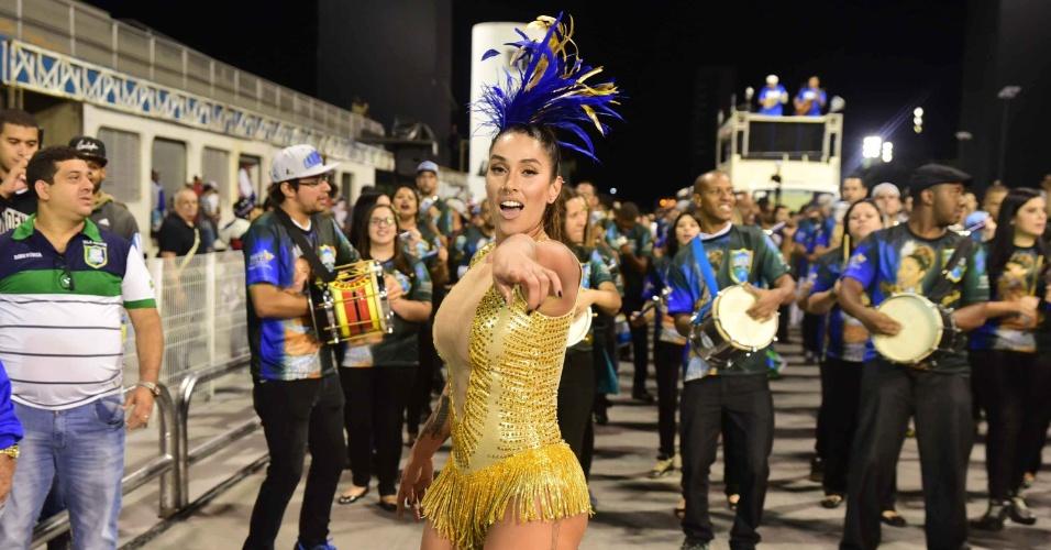 21.jan.2015 - Madrinha de bateria da Unidos da Vila Maria, Dani Bolina participa do ensaio técnico da escola na noite desta quinta-feira, no sambódromo do Anhembi, em São Paulo