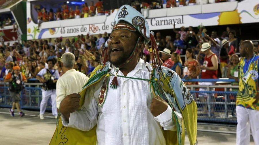 Martinho da Vila na Sapucaí, defendendo a Vila Isabel no desfile das escolas de samba do Grupo Especial do Rio em 2016 - Marcelo de Jesus/UOL