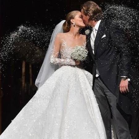 O vestido tinha 500 mil cristais bordados - Reprodução/Instagram/Victoria Swarovski