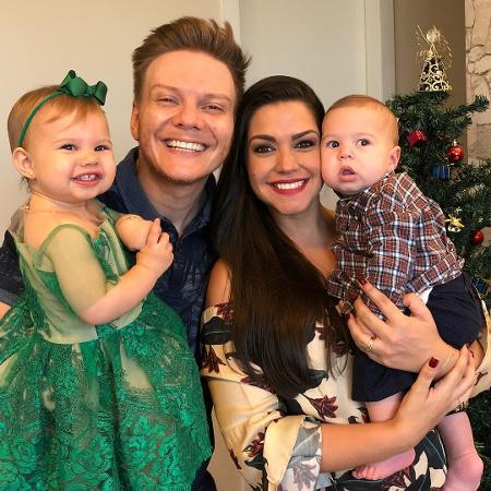 Michel Teló e Thais Fersoza com os filhos, Melinda e Teodoro - Reprodução/Instagram