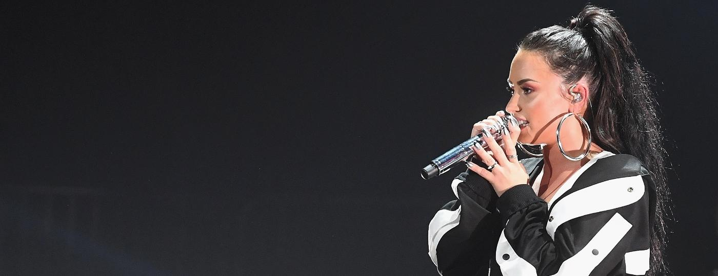 Demi Lovato em show em dezembro de 2017 - Paras Griffin/Getty Images