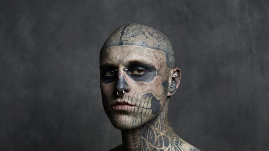 """O modelo Rick Genest, mais conhecido como Zombie Boy, foi revelado no clipe de """"Born This Way"""", de Lady Gaga - Reprodução"""