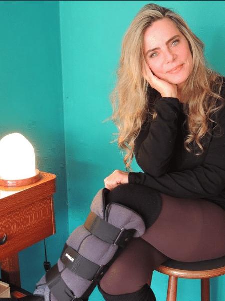 Bruna Lombardi com bota ortopédica - Reprodução/Instagram