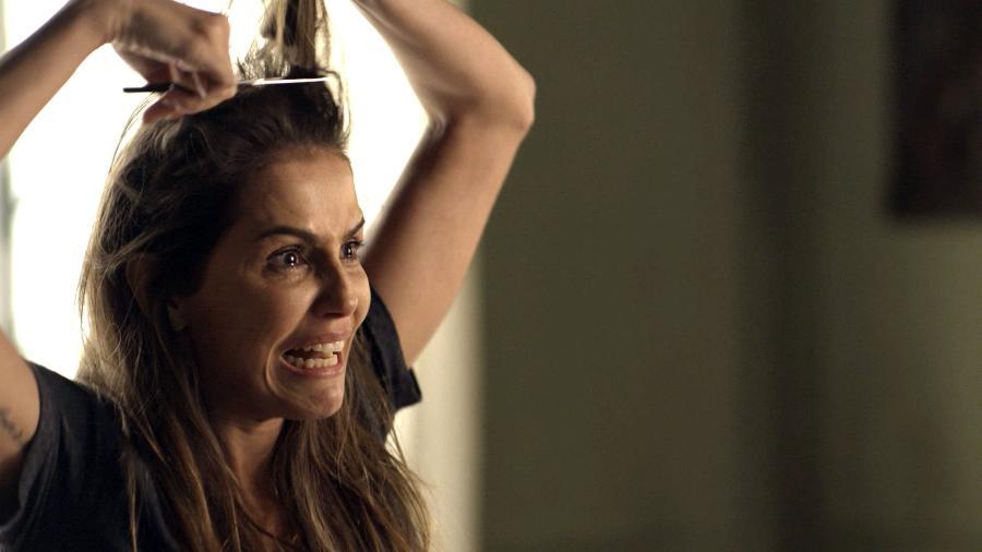 """Deborah Secco corta os cabelos em cena de """"Segundo Sol"""" - Globo/Divulgação"""
