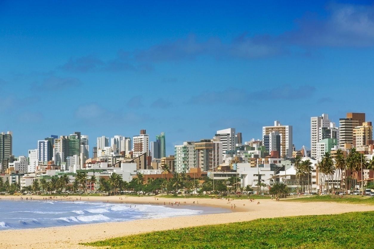 Aumento de casos de coronavírus faz prefeitura fechar praia em João Pessoa  - 04/05/2020 - UOL Notícias