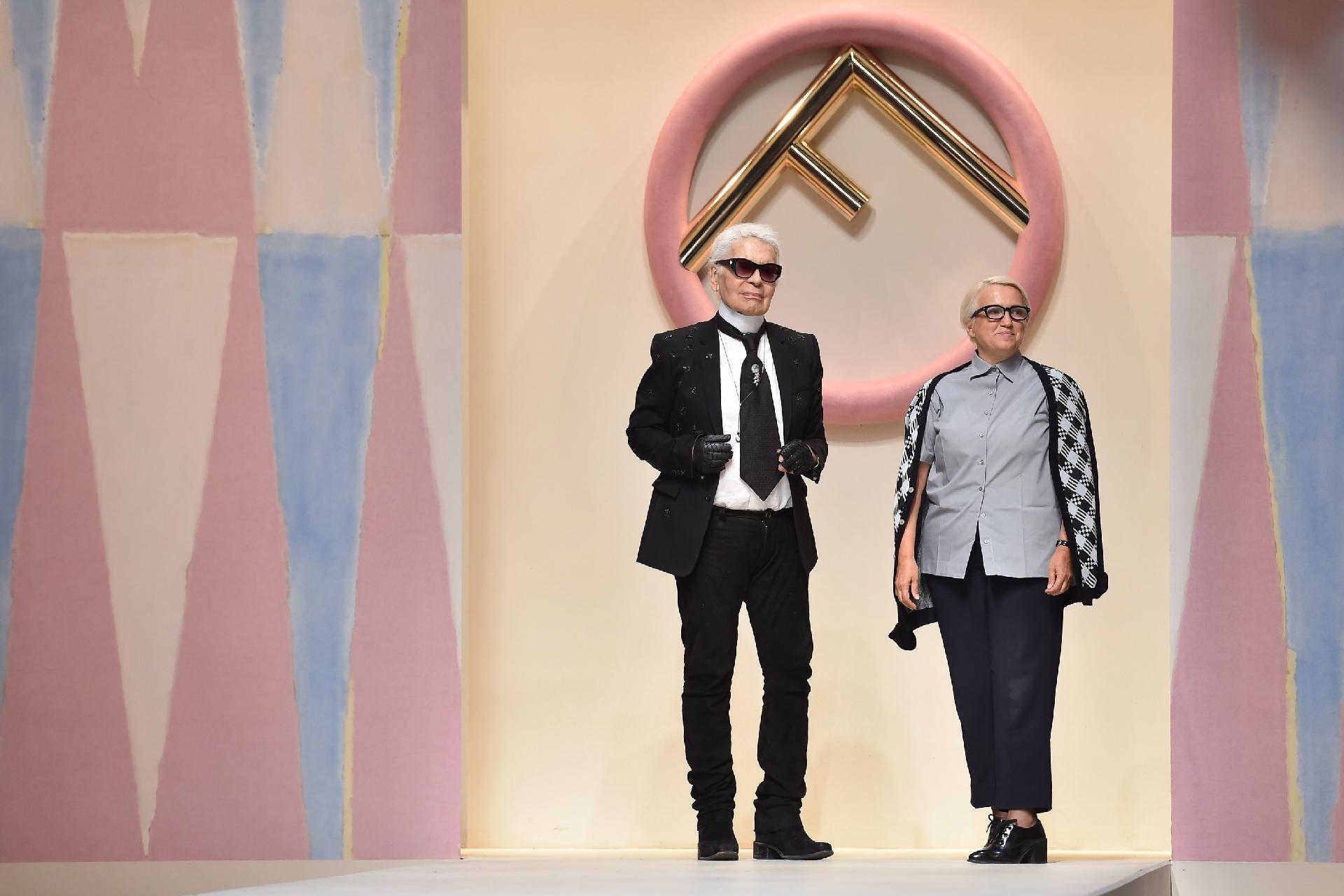 8da4b625947dc Neta de fundadores vai substituir Karl Lagerfeld na Fendi - 21 02 2019 -  UOL Universa