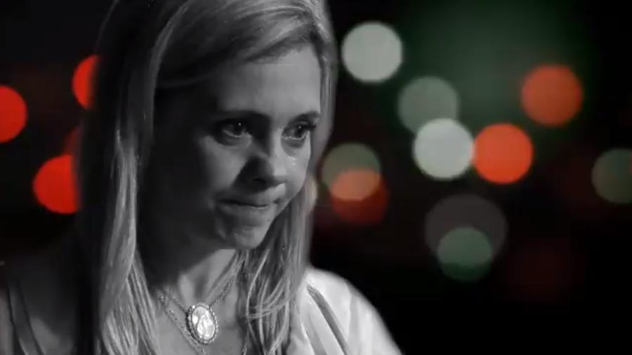 """Globo """"congela"""" Carminha (Adriana Esteves) em primeira chamada da reprise de Avenida Brasil - Reprodução/TV Globo"""
