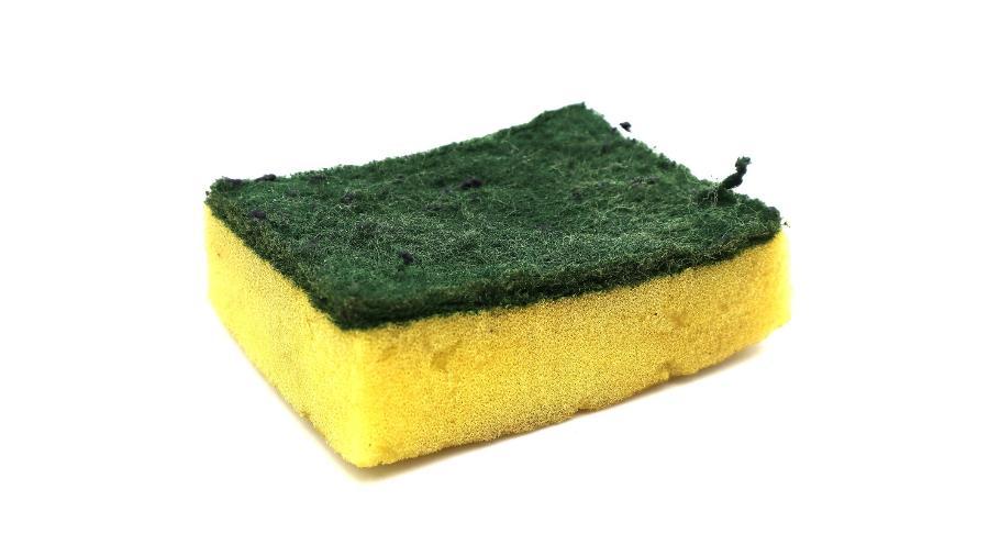 O consumidor pode enviar esponjas usadas de qualquer marca e tamanho inclusive pelos Correios - iStock
