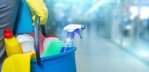 Não exagere! Misturar água sanitária com sabão ou outro produto é perigoso