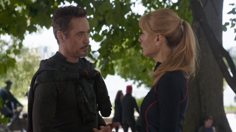 """Robert Downey Jr. e Gwyneth Paltrow em cena de """"Vingadores"""" - Reprodução"""