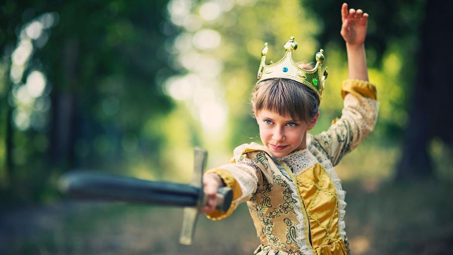 menina princesa espada coragem - Imgorthand/Getty Images