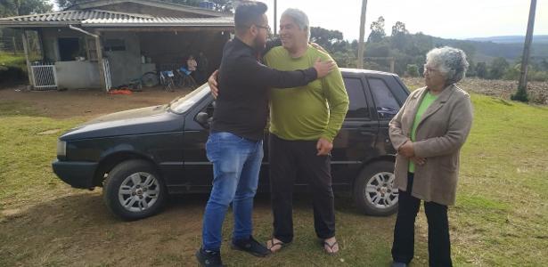 Em Santa Catarina | Carpinteiro rifa Uno para pagar contas e recebe carro de volta