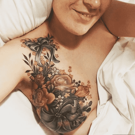 "A tatuagem de Alison Habbal, parte de seu ""renascimento pós-doença"", se tornou viral - Alison Habbal/BBC"