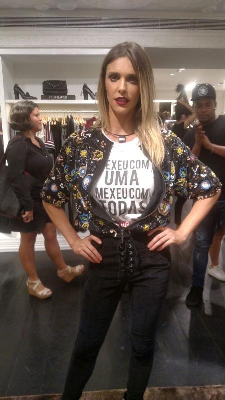 Fernanda Lima usa camiseta de protesto contra assédio em evento em São Paulo - Felipe Abílio/UOL