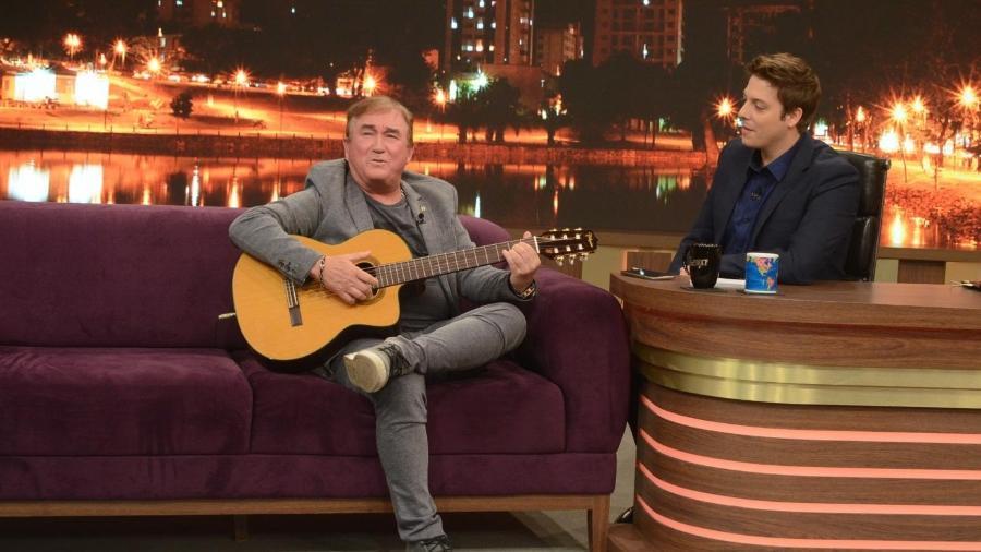 O cantor Amado Batista dá entrevista a Fábio Porchat - Antonio Chahestian/Record TV