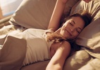 Quer dormir mais cedo e não consegue? Veja mudanças na rotina para ajudar (Foto: Getty Images)