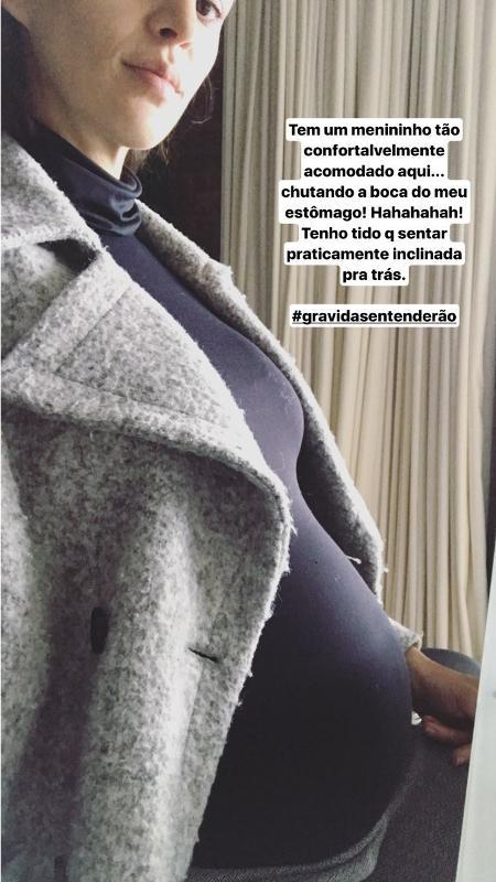 Mônica Benini, mulher de Junior Lima, mostra barrigão de 9 meses de gravidez - Reprodução/Instagram