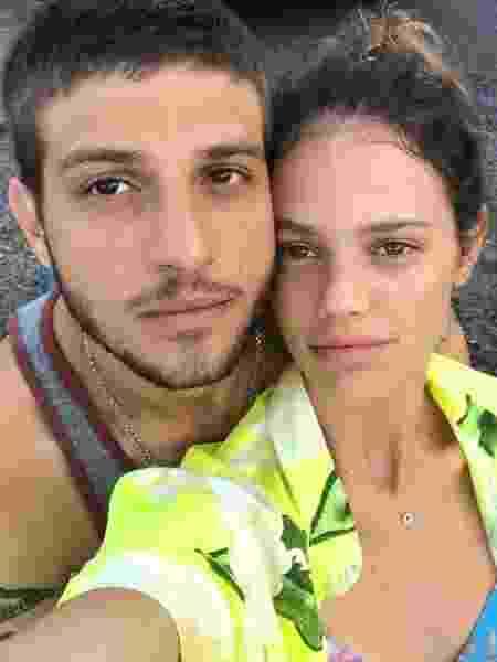 Chay Suede e Laura Neiva - Instagram