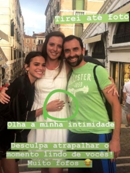 Bruna Marquezine tira foto com casal na Itália - Reprodução/Instagram