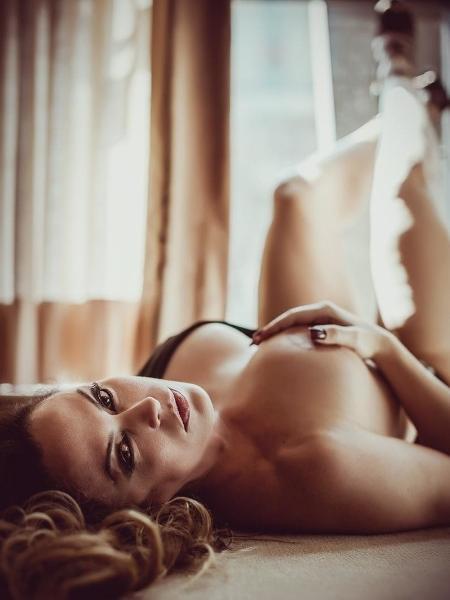 Nubia Oliver posta clique ousado e questionado seguidores sobre orgasmo - Reprodução/Instagram