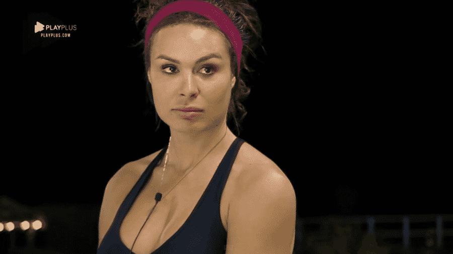 Fernanda Lacerda reclama de Nadja após briga - Reprodução/PlayPlus